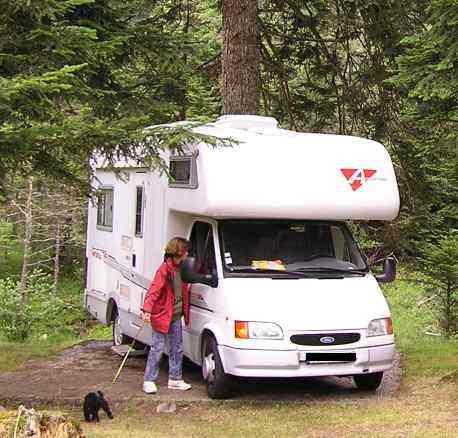 camping car recherch car vol. Black Bedroom Furniture Sets. Home Design Ideas
